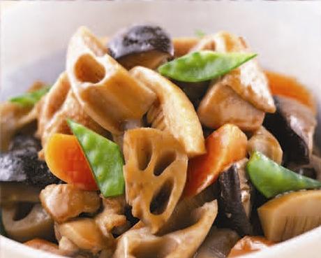 西濱屋の【博多あごだし】を使って、美味しい【がめ煮(筑前煮)】を作ってみましょう。